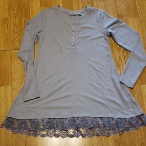 LOGO Lori Goldstein lace trimmed thermal tunic